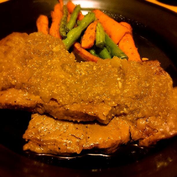 スキレットで焼いた肉 miil