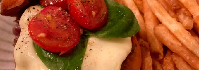 KAKUMEI burger&cafe(カクメイバーガーカフェ)