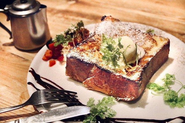 【話題】高級食パン食べ放題のお店▷人気急上昇中!