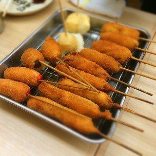 新世界・通天閣に行ったら串カツやで~!安くて美味しい人気店ランキング
