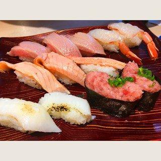 新宿でお寿司!安くて美味しいコスパ店から高級店までおすすめ人気店ランキング